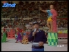 """Guy Lux lors des """"Jeux sans frontières"""" 1976 à Nîmes."""