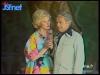 """Guy Lux et Simone Garnier lors des """"Jeux sans frontières"""" 1977 à Evry (Saint-Vrain)."""