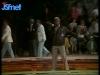 """Guy Lux lors des """"Jeux sans frontières"""" 1982 à Issy-les-Moulineaux."""