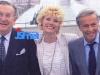 """En 1986, Guy Lux présente """"Intervilles"""" sur TF1 avec Léon Zitrone et Simone Garnier."""