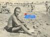 Guy Lux, privé de télévision suite à Mai 68, profite de vacances bien méritées à Saint-Tropez l'été suivant.