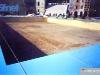 Installation de la grande piscine à Trento (Italie) pour Jeux sans frontières 1998 : La zone de la piscine (50 x 25 m) à été recouverte d'une toile unique de film imperméable.