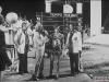 """Giulio Marchetti présente le fil rouge de """"Jeux sans frontières"""" 1977 à Marina di Carrara (Italie)"""