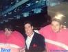 Paolo Calissano et deux joueurs suisses sur le tournage de la finale de Jeux sans frontières 1994 à Cardiff (Pays de Galles)