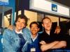 Olivier Minne, Kostas Sgontzos et Jean Riffel sur le tournage de la finale de Jeux sans frontières 1997 à Lisbonne (Portugal)