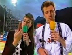 Les présentateurs suisses Cathy Sommer et Ivan Frésard à Loèche-les-Bains (1993)